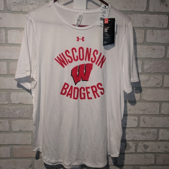 Under Armour Wisconsin Badgers Women's Baseball Tee Size Small NWT